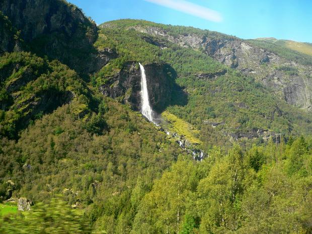Da oslo a bergen passando da sognefjord il treno e la - Case norvegesi interni ...