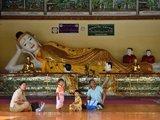 Tour a Yangon